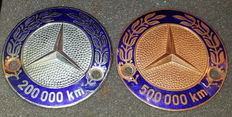Two Mercedes Benz emblems - 200.000 and 500.000 km - Used - 2nd half of the last century