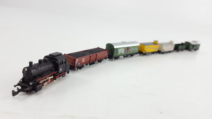 Märklin Z - 8180S/8609/8622/8648/81863 - 7-piece freight carriage with tender locomotive BR 89 & 6 Escort/beer/freight/open boxcars of the DB