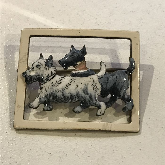 Vintage Art Deco brooch enamelled with terriers dogs