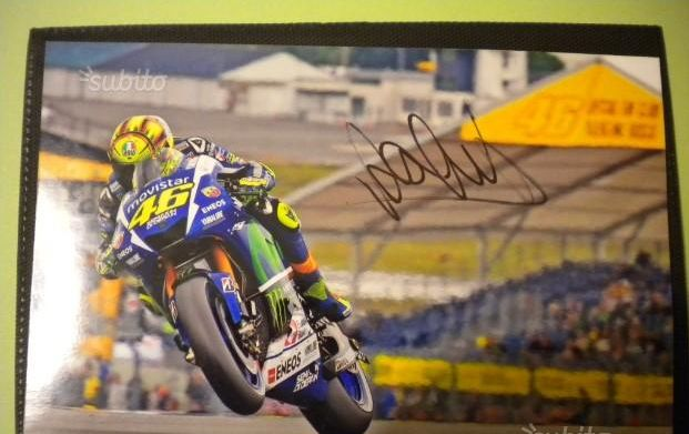 Valentino Rossi autograph on photos