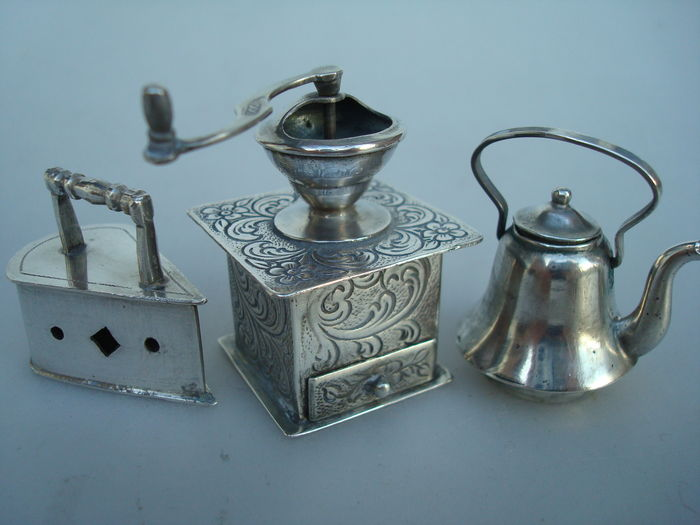 Three silver miniatures, The Netherlands, 20th century
