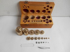 Complete box of brass weights-1 gram up to  1 kilogram-Germany-Ca. 1920