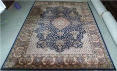 Beautifully hand-knotted Indian carpet, with silk gloss, India, 244 x 167 cm, 20th century