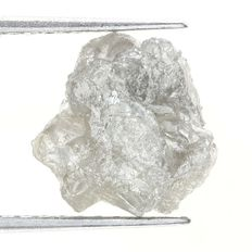 Rough diamond -  9.37 x 9.29 x 4.92mm - 2.83 ct