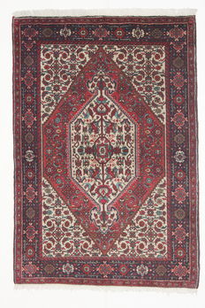 Beautiful GHOTLOU carpet, Iran (Kurdistan), 20th century, 147 x 100 cm