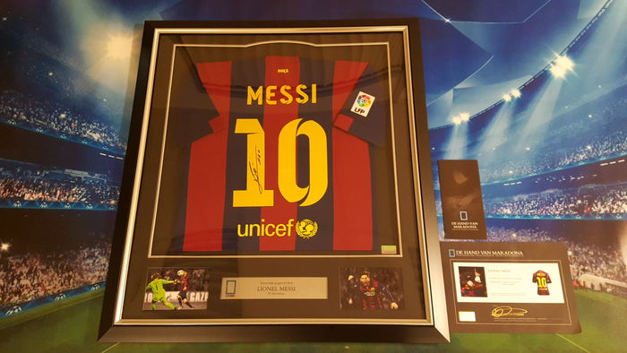 sehr exklusives lionel messi signiertes trikot 2014 2015. Black Bedroom Furniture Sets. Home Design Ideas