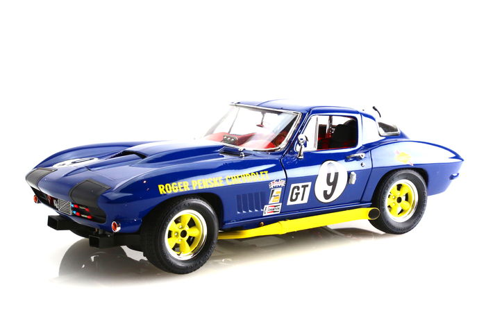 Exoto - Scale 1/18 - Chevrolet Corvette Sting Ray Competition #9 Sunoco  Roger Penske, 12 hrs of Sebring 1966 - Catawiki