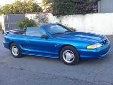 Ford - Mustang Convertible V6 - 1994