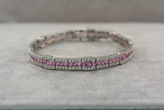 Tennis bracelet set with 218 diamonds of 1.75 ct and 75 pink sapphires of 6.95 ct