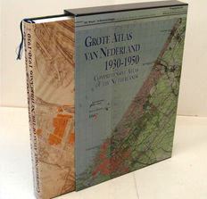 Atlas; B.C. de Pater and B. Schoenmaker, and others - Grote Atlas van Nederland 1930-1950 - 2005