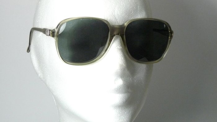 9c72a9011b63f Givenchy - Sunglasses - Men - Catawiki