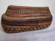 Old North West Coast woven container – CHINOOKAN tribe – Canada