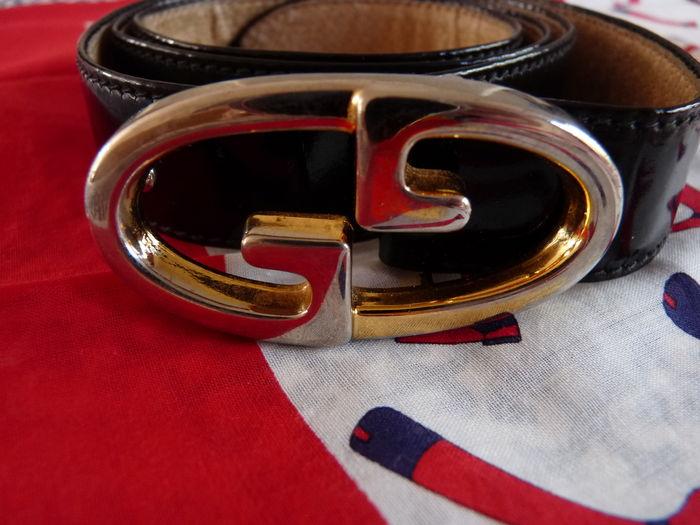 92b4a82a327 Lot  Gucci - Belt and two Vintage Scarves - Catawiki