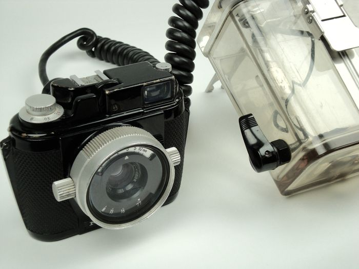 Nikonos underwater camera model 1 from 1963 with underwater case