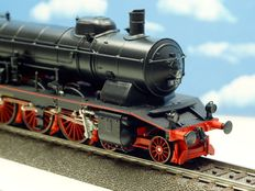 Märklin H0 - 3711 - Steam locomotive with pulled tender BR 18.1 of the DB