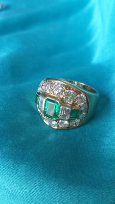 Gold ring with natural Emeralds and Diamonds