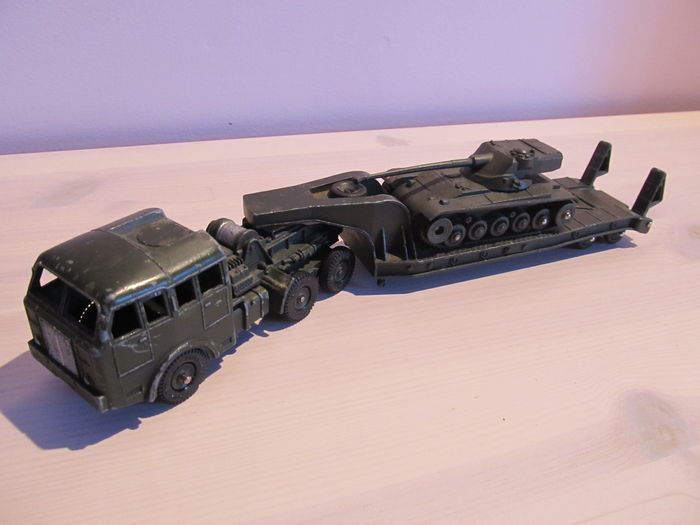 Dinky Super Toys Scale 48 Lot Of Berliet Trucks All Terrain Tank Truck No 890 With Amx