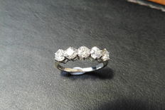 18k Gold Diamond Five Stone Ring - 0.75 ct - H. I1 - size 52
