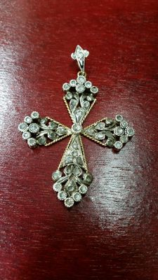 18 ct Victorian diamond cross pendant