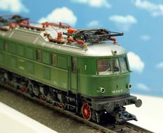 Märklin H0 - 3767 - Electric locomotive BR 118 of the DB, special edition in green.