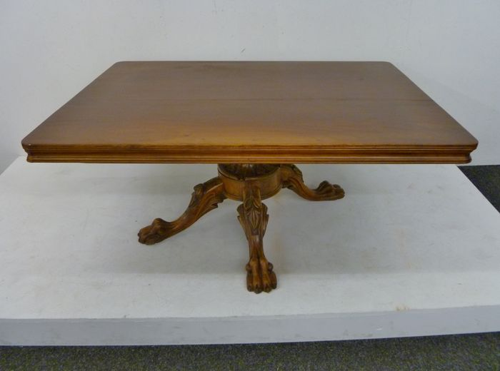 Lion 39 s paw table end 19th century catawiki for Nfpa 99 table 5 1 11