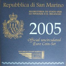 San Marino - Year pack 2005, including silver 5 Euro