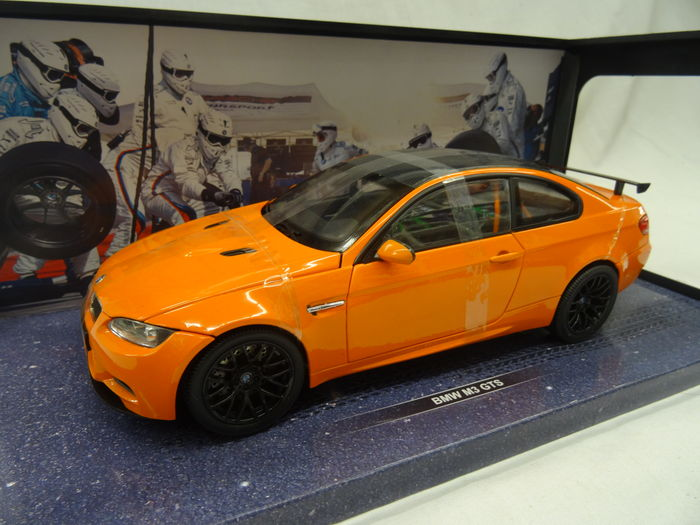 KDW Models - Scale 1/18 - BMW M3 E92 Coupe GTS M Power - Colour Orange
