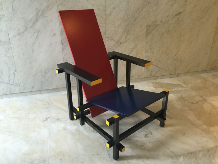Blue Chair Inside Gerrit Rietveld Door Cassina Red And Blue Chair Catawiki