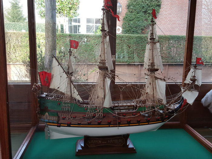 Well presented and detailed model of the 50-gun escort ship Wappen von Hamburg (1669)