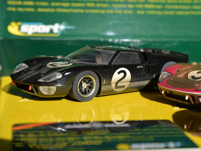 scalextric chelle 1 32 lot de 3 mod les ford gt40 le mans 1966 goodwood 2003 special. Black Bedroom Furniture Sets. Home Design Ideas