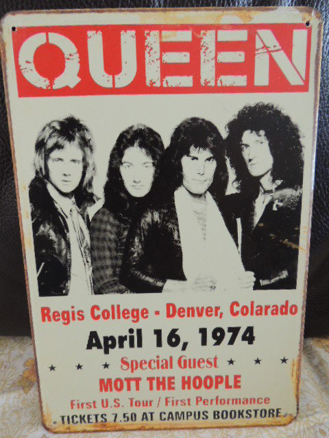 Stunning  - Queen - Big - Metal Memorial Shield - Queen First U.S. Tour April 16 , 1974 - Bonus Queen Geatest Hits Cd Box 1 2 3 New