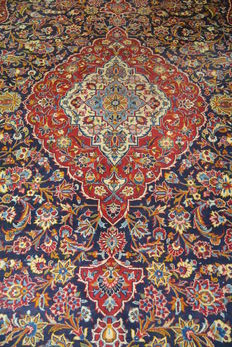 High quality and beautiful oriental Persian carpet Kashan XXL 414 x 310 cm. End of the 20th century