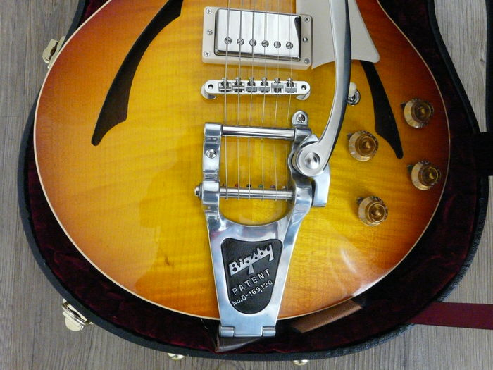 Gibson Johnny A Custom Shop with Bigsby 2015