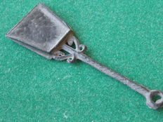 Tin toy coal scoop - 6.7 cm