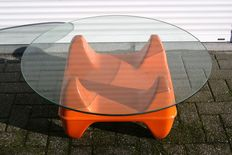 Designer unknown - Space age coffee table