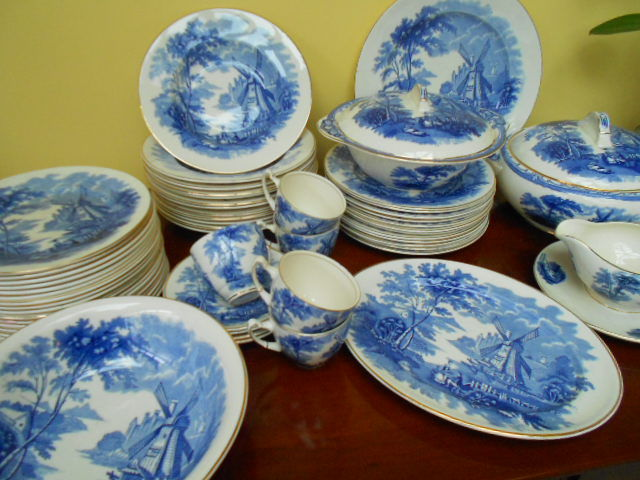 Windmill Palissy Ware - beautiful old english dinnerware 57 pieces & Windmill Palissy Ware - beautiful old english dinnerware 57 pieces ...