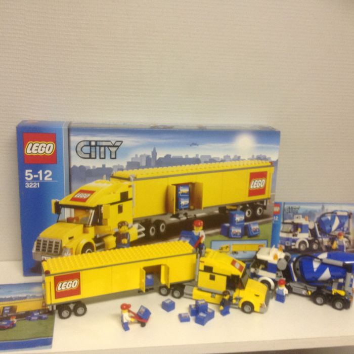 City 3221 7990 7891 Lego Truck Cement Mixer Airport