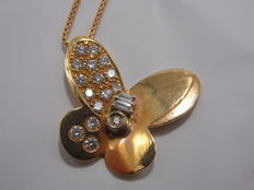 Pendant and chain in rose gold with diamonds totalling 1.0 ct