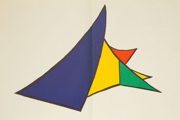 Alexander calder after stabiles derri re le miroir for Derriere le miroir calder