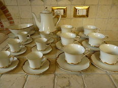 Original vintage HARMONY HOUSE 26 pieces of porcelain painted with gold