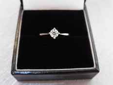 18k Gold Solitaire Diamond Ring - 0.40ct  I, SI2 - size 52