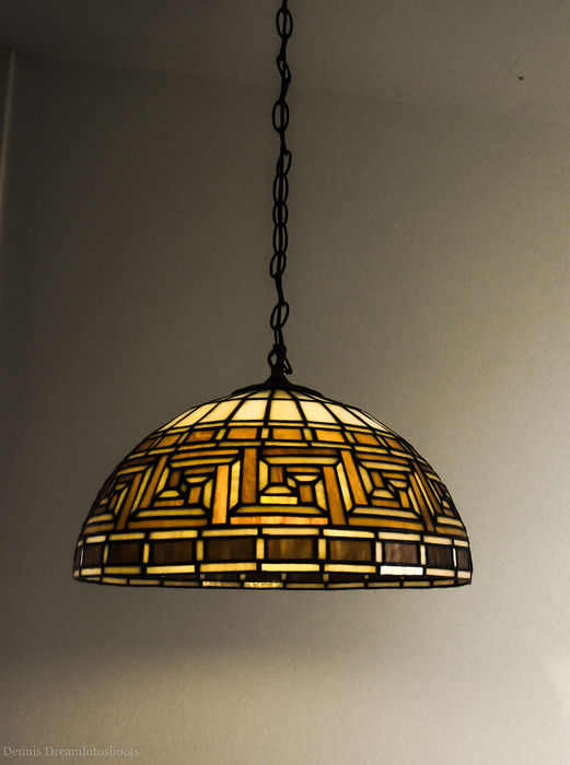 Tiffany Style Dining Table Lamp With Elegant Versace Design Motif (42 Cm  Diameter Stained Glass