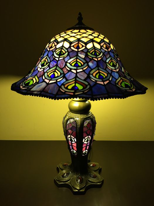 Extravagant Tiffany Style Table Lamp Giant Peacock With 3 Light