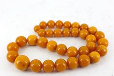 Butterscotch colored Baltic Amber beads necklace, old Amber