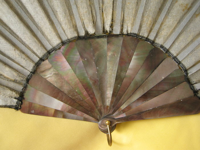 """the black lace fan my mother Practice commentary: the black lace fan my mother gave me eavan bolland's """"the black lace fan my mother gave me"""" from her book, """"outside history"""" (1990) gives readers the first impression."""