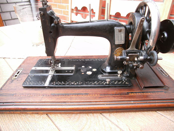 Gritzner Durlach Sewing Machine Catawiki Stunning Gritzner Sewing Machine Price