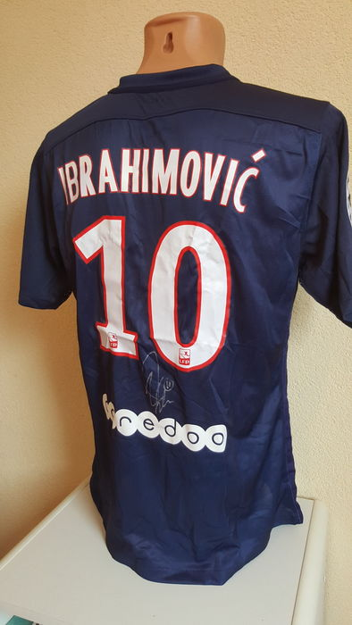 the latest ec7d0 264b7 zlatan ibrahimovic psg jersey