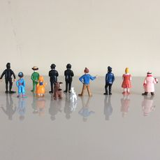 LOT DE 5 FIGURINES   TINTIN  ESSO BELVISION