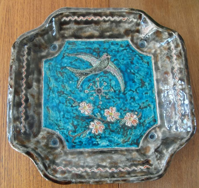 Huy - Art earthenware plate
