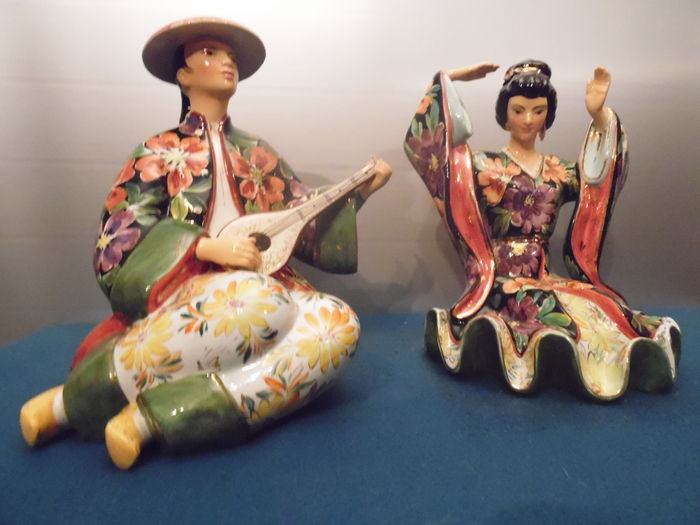 Liani porcelain -  Eastern couple, a musician and a dancer